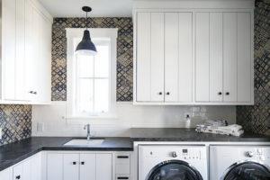 white-blue-laundry-room-design-blue-mosaic-backsplash-tiles